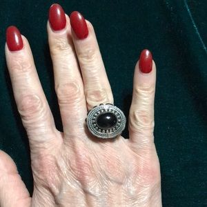 Jewelry - Onyx and sterling silver ring size 7 1/4